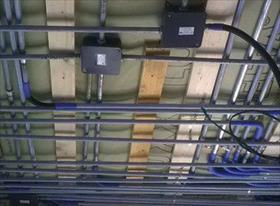 Электромонтаж скрытой проводки в деревянном доме