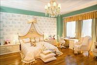 Варианты дизайна спальни с обоями